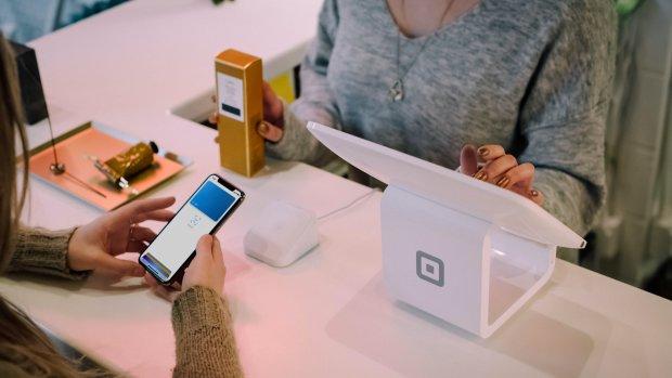 38% des Français utilise le paiement sans contact en magasin d'après l'étude OpinionWay-Proximis. - © Christiann Koepke