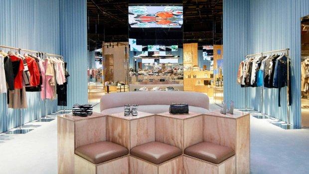 Burberry s'est allié à Tencent pour ouvrir un magasin taillé pour les réseaux sociaux. - © Burberry