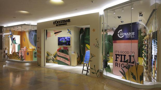 Dans ce nouveau magasin hongkongais, les clients L'Occitane peuvent recycler les contenants. - © L'Occitane