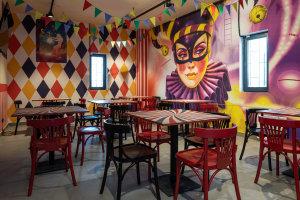 L'esprit cirque se retrouve aussi dans l'espace restauration. © Silpo