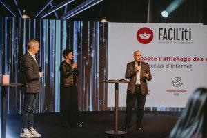 Facilit'iti a reçu son prix coup de cœur de Cathy Collart-Geiser et Pierre-Alexandre Mouret (Pharmavie) © Républik Retail