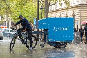 Monoprix livre ses clients avec Stuart, adoptant une logistique 100% verte. - © stuart