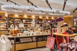 Le concept-store La Boutique de Loulou regorge d'articles de la marque Samaritaine qui devraient plaire aux touristes et aficionados de l'art déco et de l'enseigne. - © WeAreContents