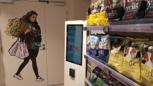 Une borne permet d'imprimer des photos depuis son smartphone. - © CC / Républik Retail