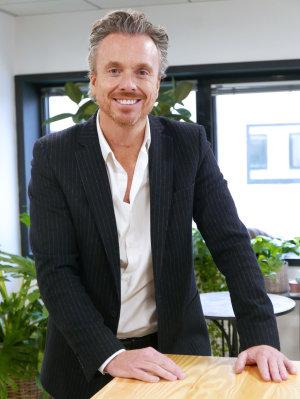 Thomas Morlot est promu directeur commercial franchises et succursales.